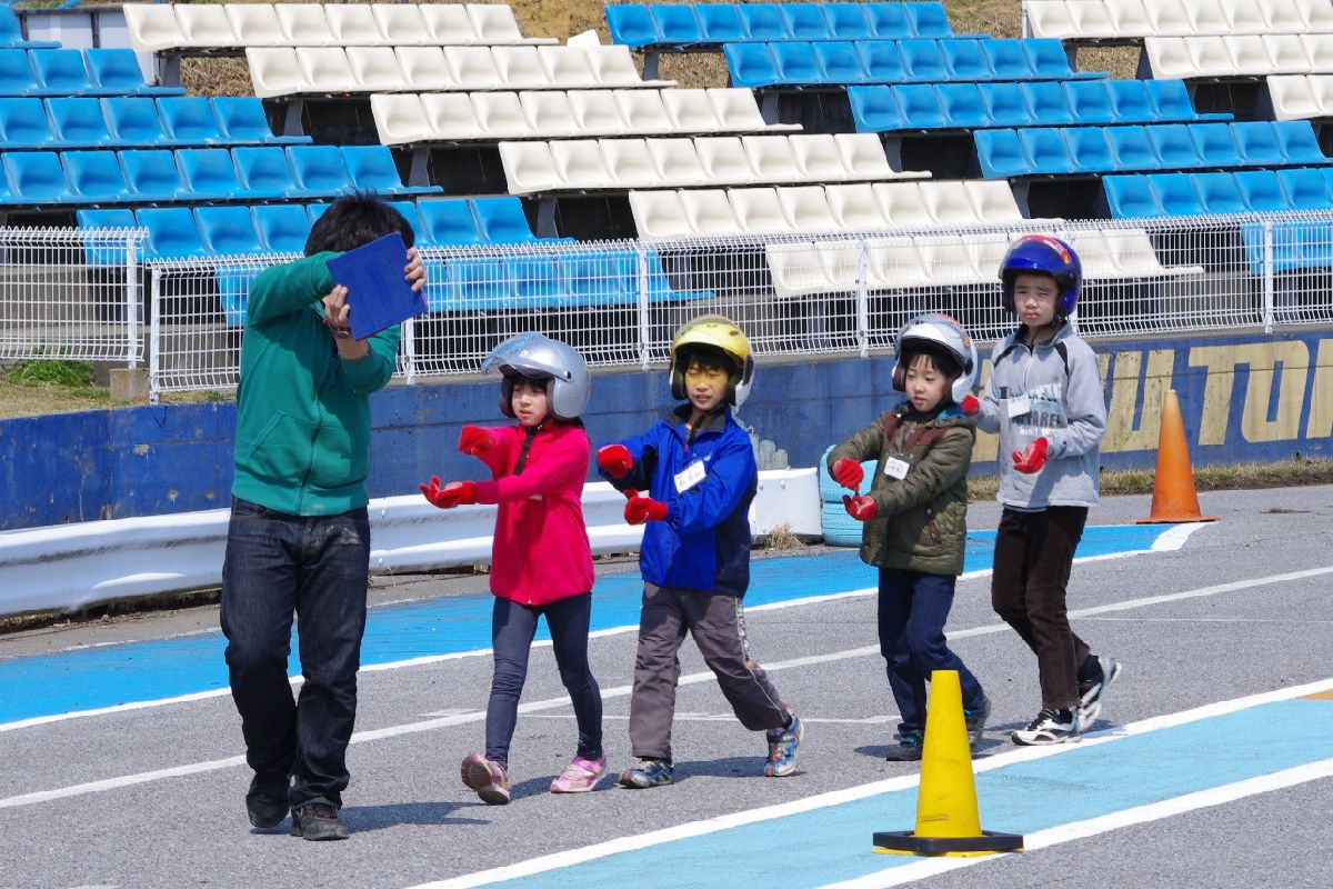 【ジュニア教室】JAFカート体験教室【2012.3.28】_c0224820_15172162.jpg