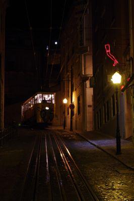 リスボンの旅 その2〜夜も美しい街_e0114020_2424162.jpg