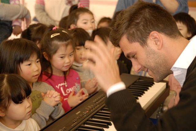 パノス・カランー東日本大震災復興支援ピアノリサイタル_a0074540_1129329.jpg
