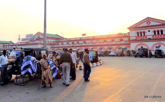 インド旅行記 23 列車でアグラへ_a0092659_2330165.jpg