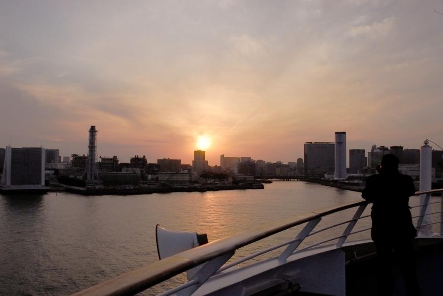 東京・横浜ワンナイトクルーズ -5:サンセットクルージング_e0152866_10204583.jpg