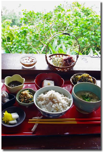 沖縄一日目 山の茶屋・楽水_f0012154_2152292.jpg