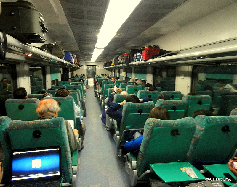 インド旅行記 23 列車でアグラへ_a0092659_0424214.jpg