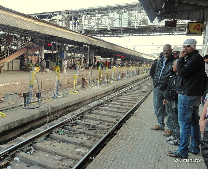 インド旅行記 23 列車でアグラへ_a0092659_0442844.jpg