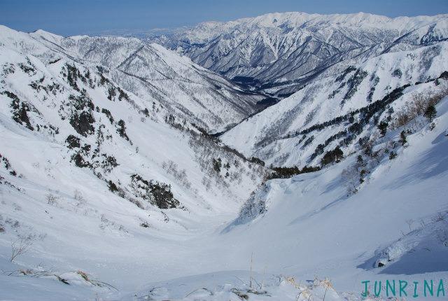 「Junrinaにおまかせ」ツアーは平標山の裏面でした。_d0110562_527363.jpg