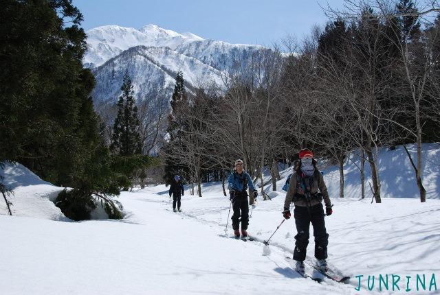 「Junrinaにおまかせ」ツアーは平標山の裏面でした。_d0110562_5283937.jpg