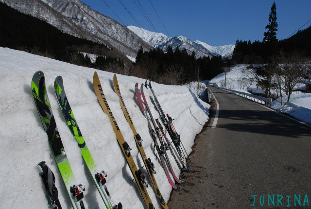 「Junrinaにおまかせ」ツアーは平標山の裏面でした。_d0110562_5291111.jpg