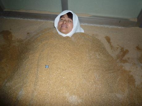 砂風呂でスッキリ!_a0200771_14585250.jpg