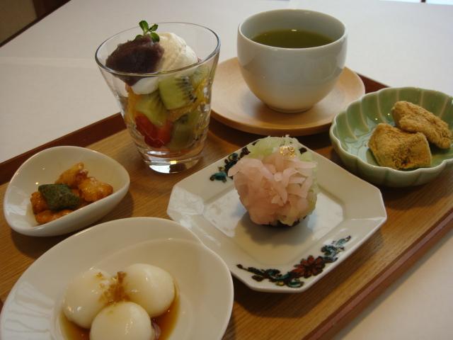 掛川丸山製茶「きみくら」新メニュー本日よりお目見えです  (記:藤本 洋子)_a0195310_2071574.jpg