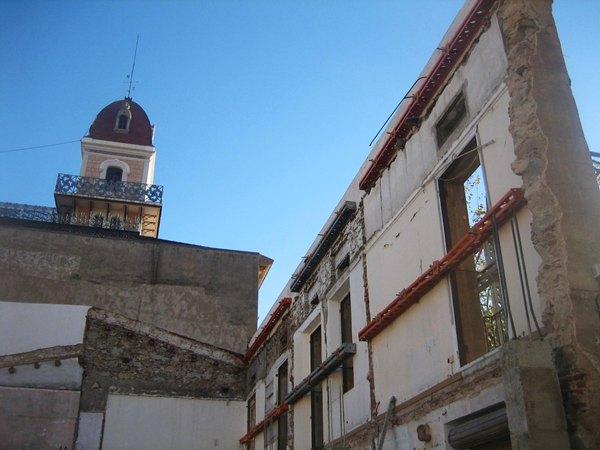 古い建物の修復_b0064411_6154337.jpg