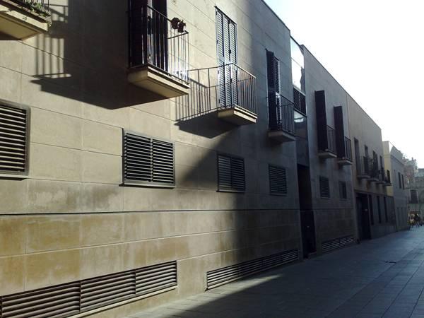 古い建物の修復_b0064411_6221670.jpg