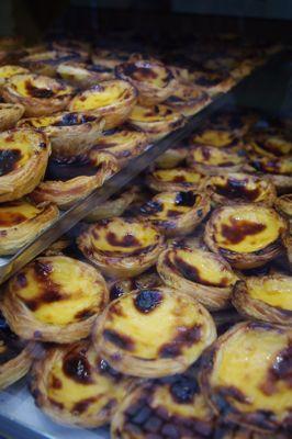 リスボンの旅 その5〜素朴なポルトガルのお菓子たち_e0114020_1657441.jpg