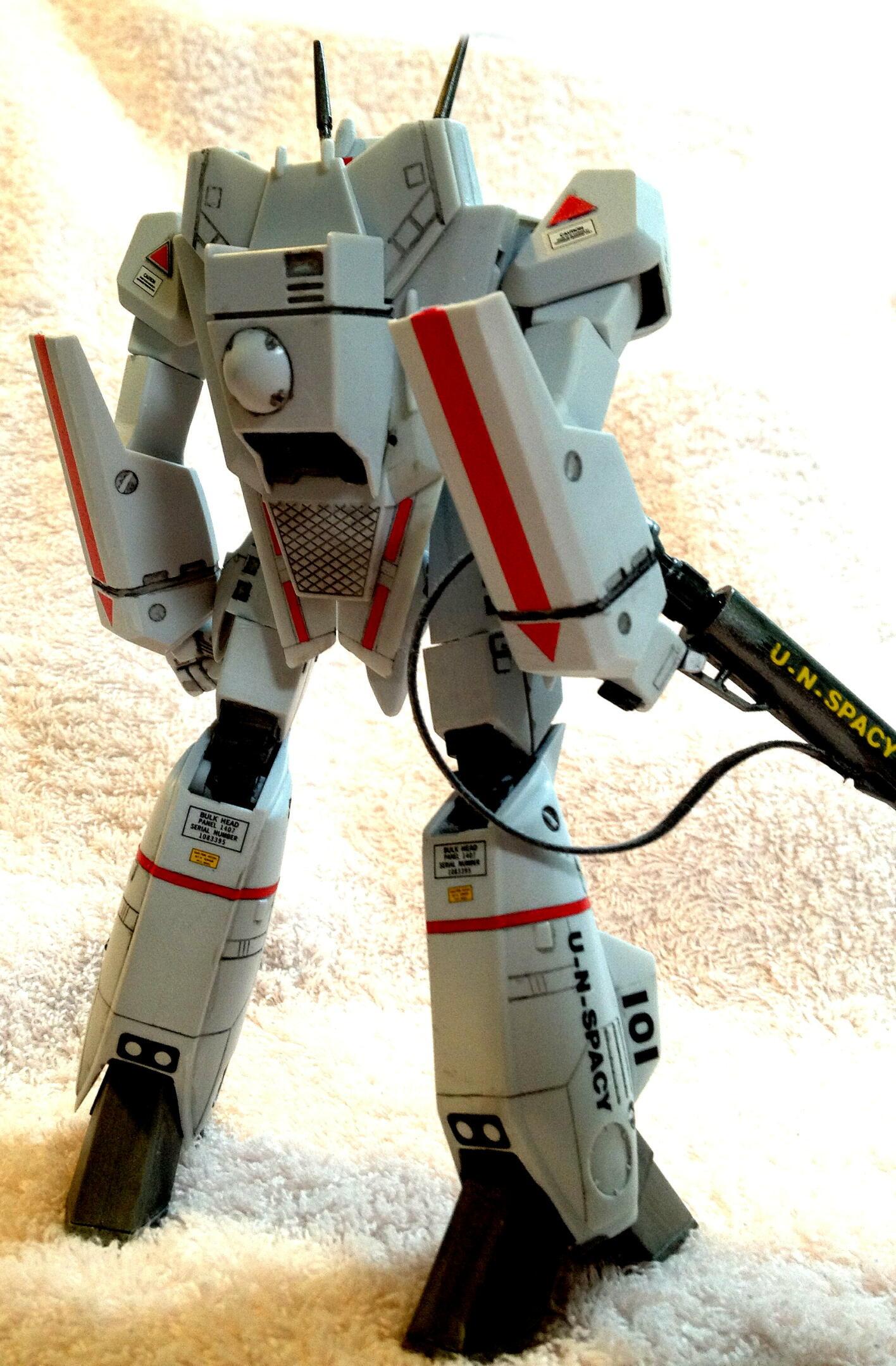 バルキリー VF-1J  完成_e0256925_9175710.jpg