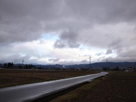 雨の日のアスファルト_a0014840_21583458.jpg