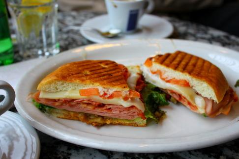 Caffe Calabria@Commercial Dr._d0129786_15152933.jpg