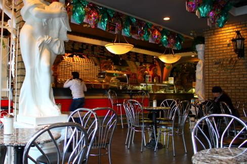 Caffe Calabria@Commercial Dr._d0129786_1555184.jpg