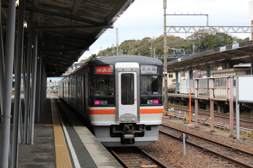 鳥羽駅にて_d0202264_7383917.jpg