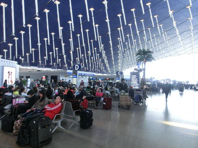 上海空港の夕焼け・・・・夕日に映えた、美しい上海空港①_d0181492_21554688.jpg