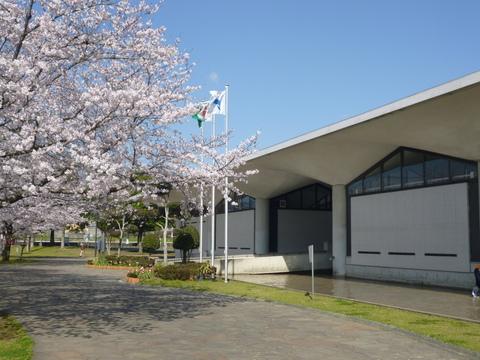 水の科学館と桜(^^)_b0228113_103272.jpg