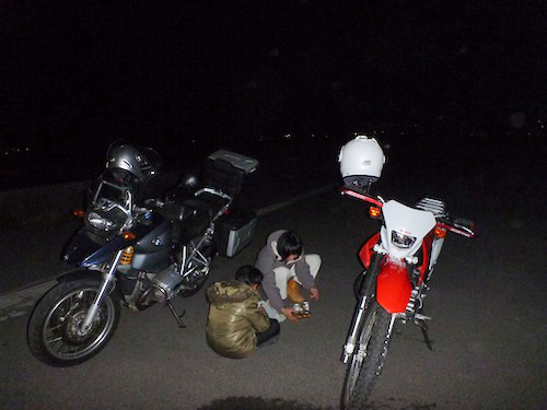 外でバイクごはん!?_b0183681_23275518.jpg