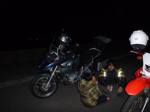 外でバイクごはん!?_b0183681_23292038.jpg