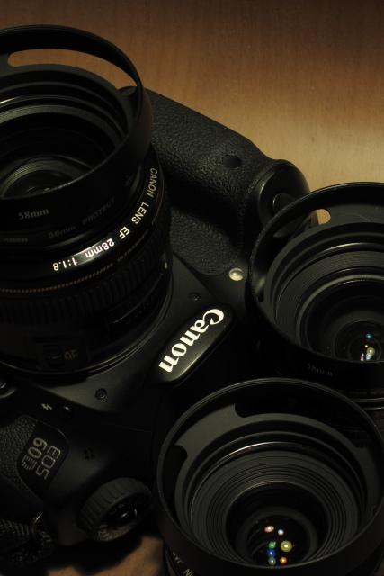EOS60Dに、単焦点レンズ+スリット入りライカ風レンズフードの妙味_b0061717_235639100.jpg