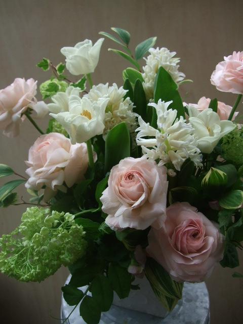 オークリーフ(チューリップと春の球根切り花のアレンジメント)_f0049672_1330298.jpg