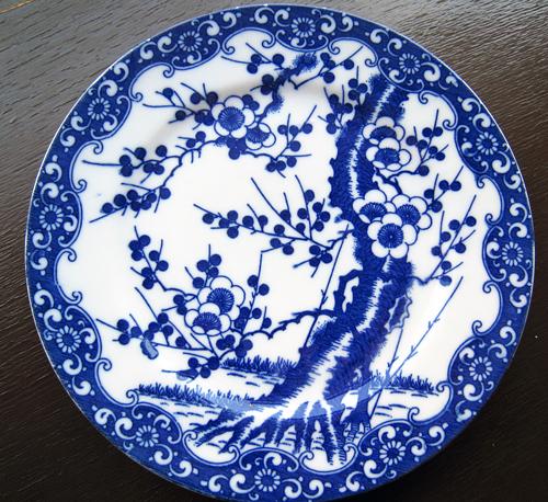 昔のお皿と桜のお菓子♪横浜物語に掲載されました!_e0092594_1595793.jpg