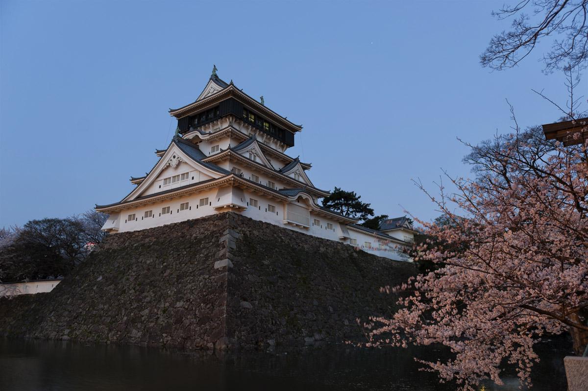 小倉城で武士に会いました。_c0028861_20464992.jpg