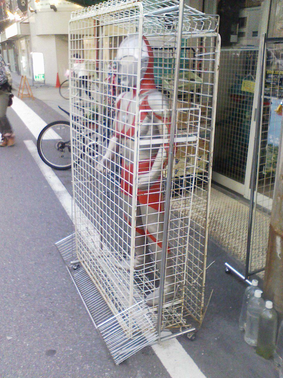 久しぶり「塚本駅前漂流」味わいの街!_c0061686_7401642.jpg