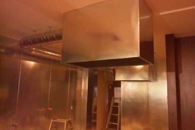 店舗の厨房工事_b0104403_20343955.jpg