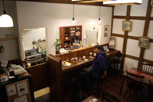 新潟漆の竹塗りデザインの至宝が珈琲『涼蔵』(すずくら)さんにある。_d0178448_1565226.jpg