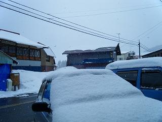 また雪・・・_d0122374_2350365.jpg