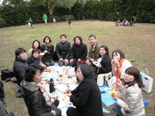 毎年恒例の桜坂お花見・満開にはもう少し…_b0160959_11312061.jpg