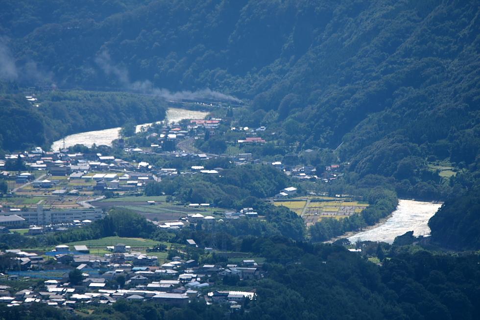 山と利根川と重連 - 2011年・上越線 -_b0190710_2224585.jpg