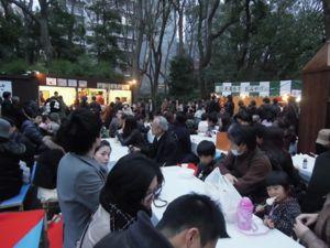 六義園のしだれ桜_e0030586_0333121.jpg
