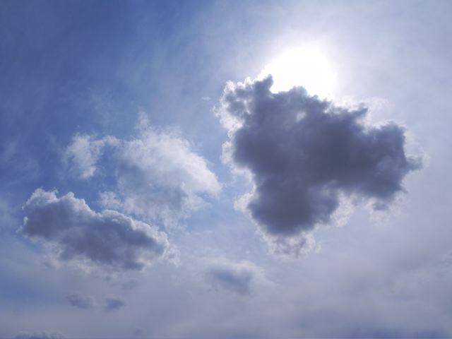 雲のある空_f0144003_0224541.jpg