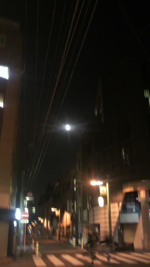 月のあかり_a0075684_0344748.jpg