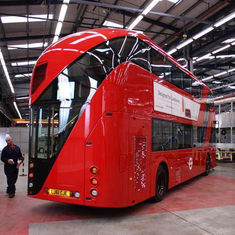 ロンドンバス_d0087595_14525415.jpg