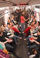 ニューヨークの街角即興集団、Improv Everywhereのエイプリル・フール_b0007805_2092940.jpg