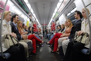 ニューヨークの街角即興集団、Improv Everywhereのエイプリル・フール_b0007805_2093742.jpg