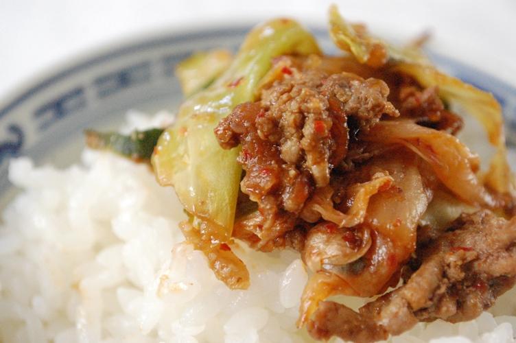 キャベツと牛ひき肉のキムチ炒め_d0104926_2424593.jpg