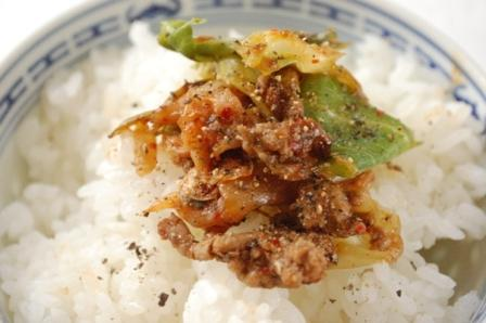 キャベツと牛ひき肉のキムチ炒め_d0104926_4504260.jpg