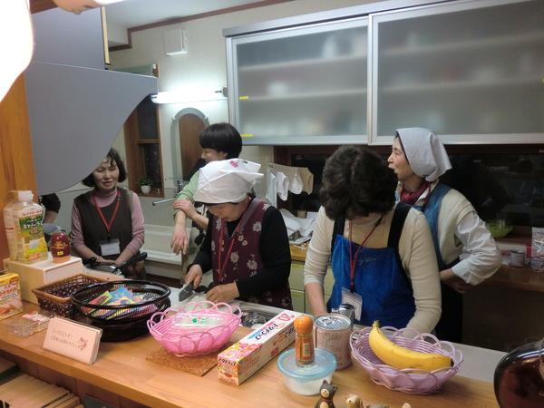 石窯の駅で「夜のピザ教室」が行なわれました。_a0259243_19474542.jpg