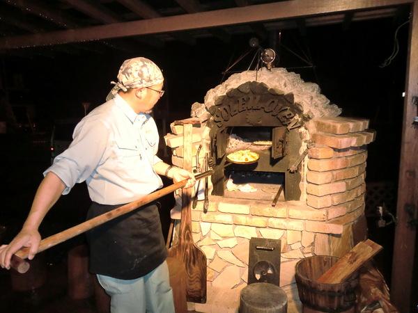 石窯の駅で「夜のピザ教室」が行なわれました。_a0259243_19483477.jpg