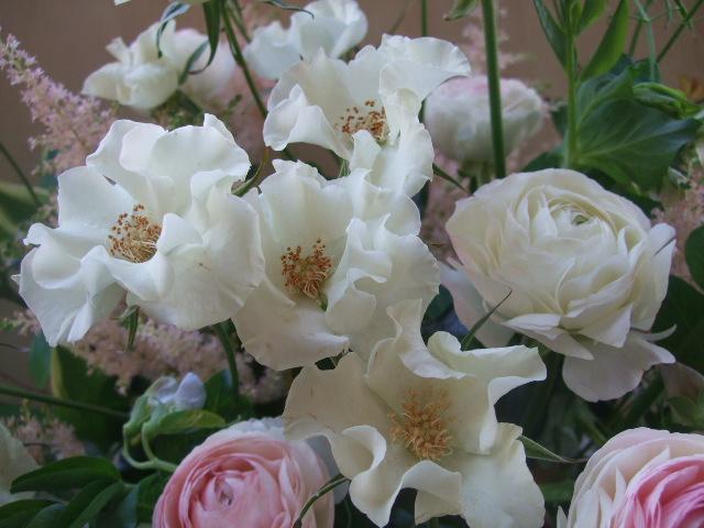 オークリーフ(薔薇と草花のアレンジメント)_f0049672_1157272.jpg