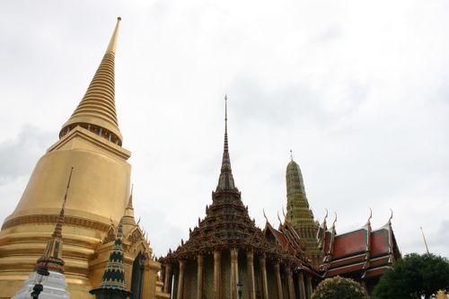 旅日記 バンコク JUL2011 003 観光 王宮とカオサン_f0059796_0301475.jpg