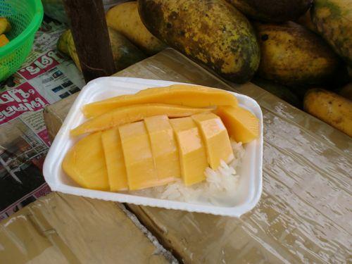 旅日記 バンコク JUL2011 004 カオサンとプールそしてMK_f0059796_0462281.jpg