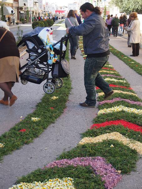 年に一度のお楽しみ・・・男の花祭り_f0152733_21501329.jpg