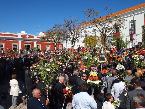 年に一度のお楽しみ・・・男の花祭り_f0152733_21575664.jpg
